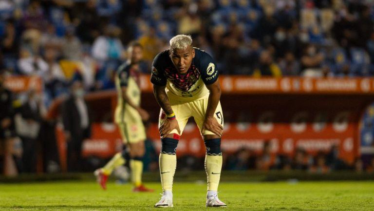 Roger Martínez durante un partido con América