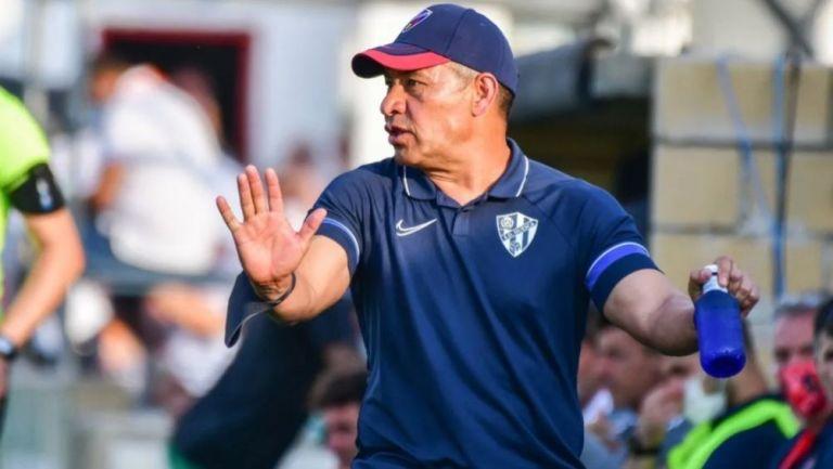 Ignacio Ambriz en un partido de preparación del Huesca