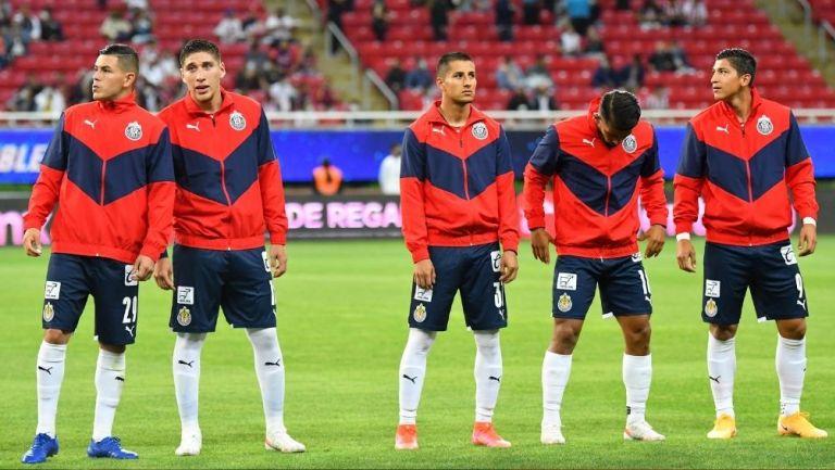 Jugadores de Chivas antes de un partido