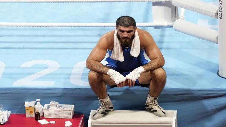 Mourad Aliev en el ring tras su eliminación
