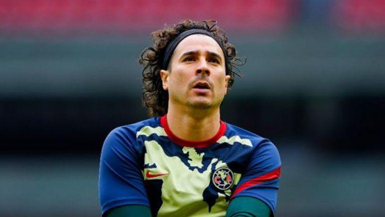 Guillermo Ochoa previo a un partido con América