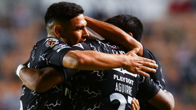 Los Rayos en festejo del gol