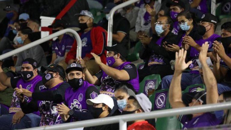 Afición de Mazatlán en el Estadio Kraken
