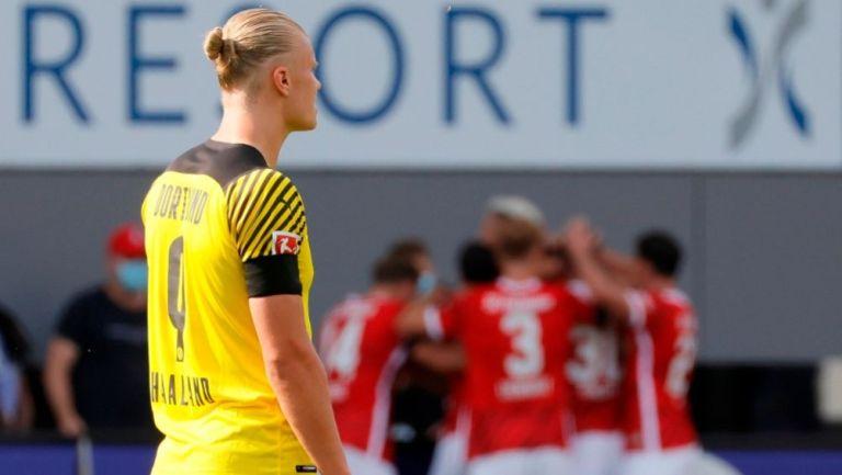 Haaland en el duelo entre el Borussia Dortmund y Friburgo