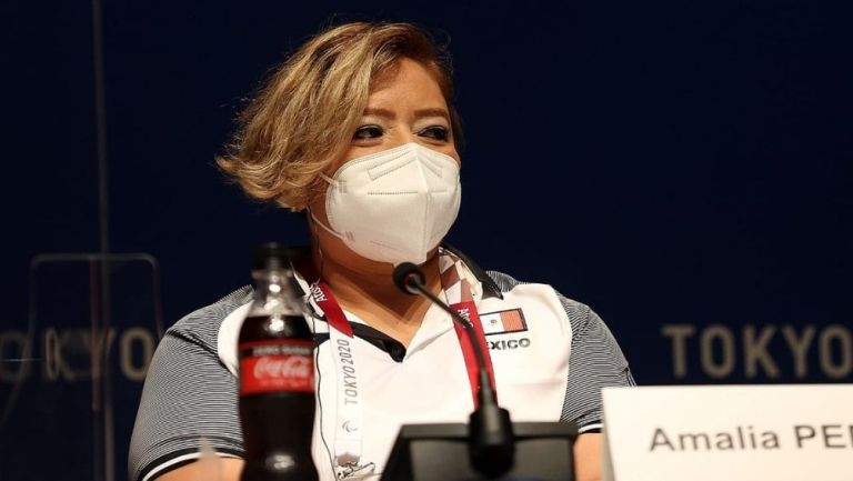 Amalia Pérez en conferencia de prensa
