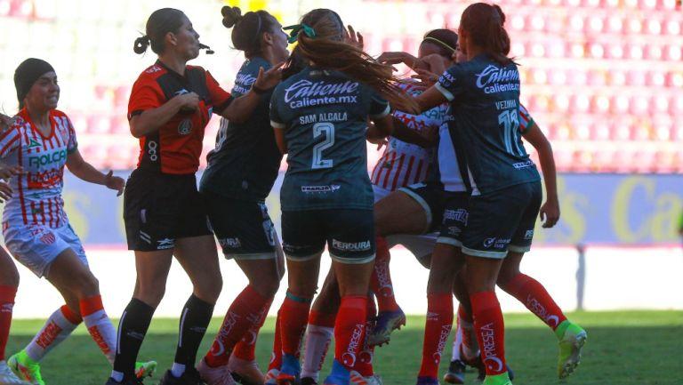 Conato de bronca en el Necaxa vs Puebla