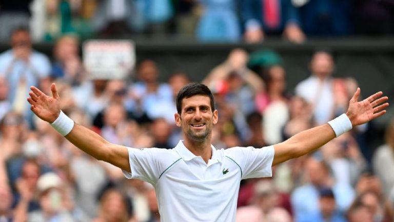 Novak Djokovic en el Wimbledon 2021