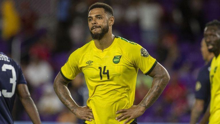 Andre Gray durante un partido con Jamaica
