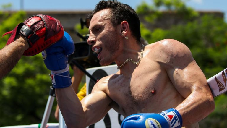 Omar Chávez en un entrenamiento