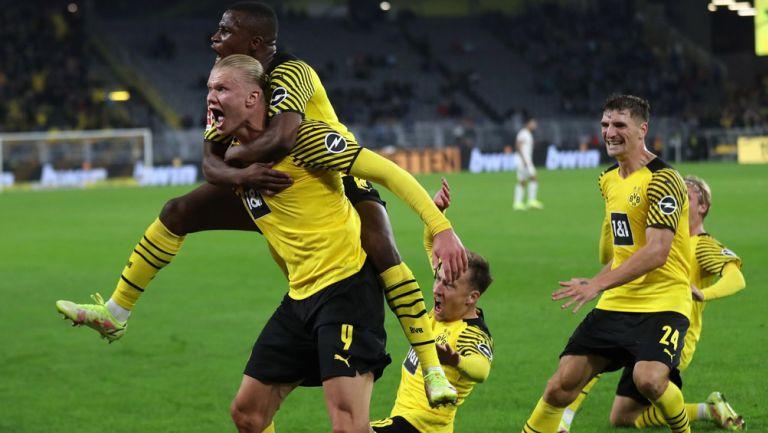 Erling Haaland festeja el gol de la victoria