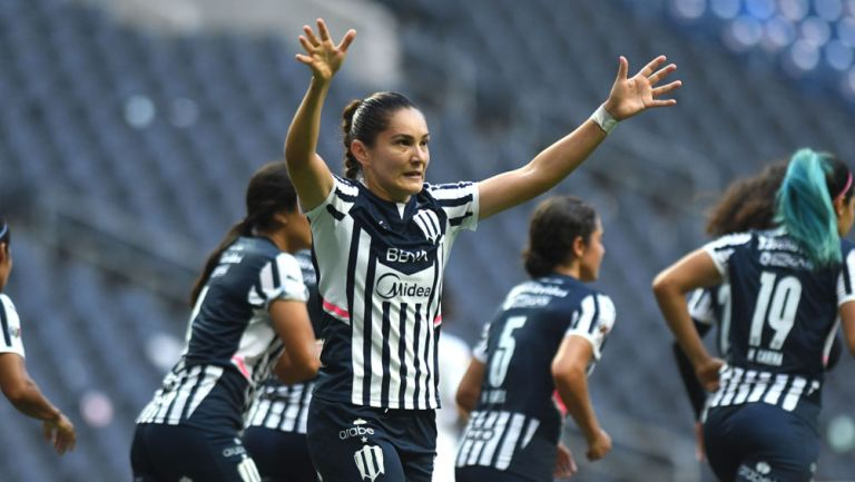 Desireé Monsiváis festeja su anotación