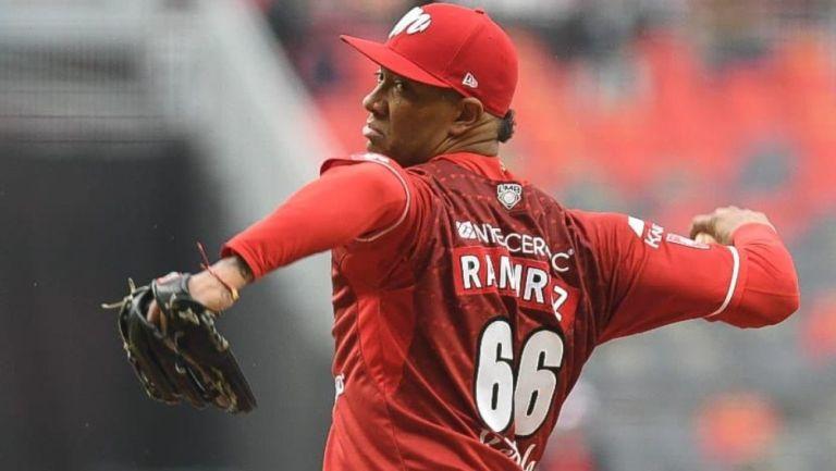 JC Ramírez en acción con Diablos Rojos