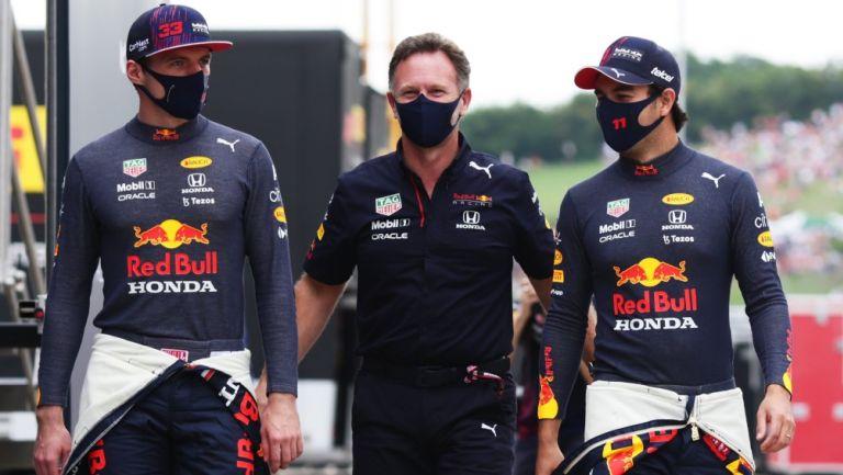 Max Verstappen, Christian Horner y Sergio 'Checo' Pérez
