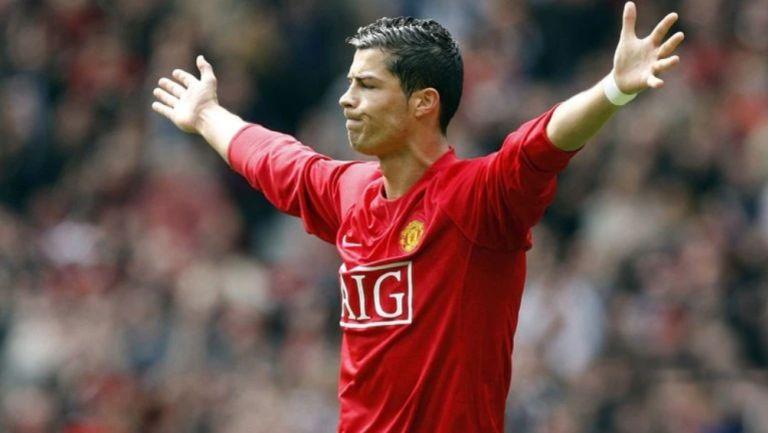 Cristiano Ronaldo en un partido con el Manchester United