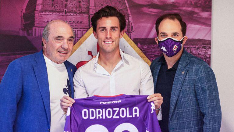 Álvaro Odriozola, en su presentación con la Fiorentina