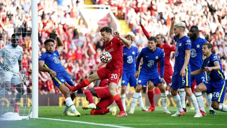 Liverpool frente a Chelsea en la Premier League