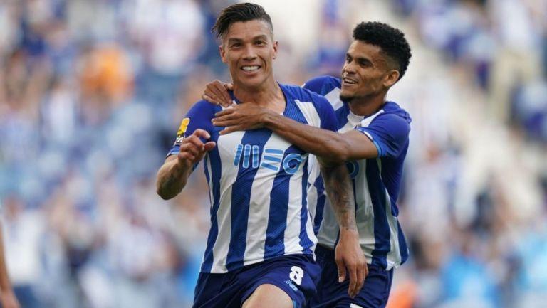 Matheus Uribe y Luis Díaz festejando un gol a favor del Porto