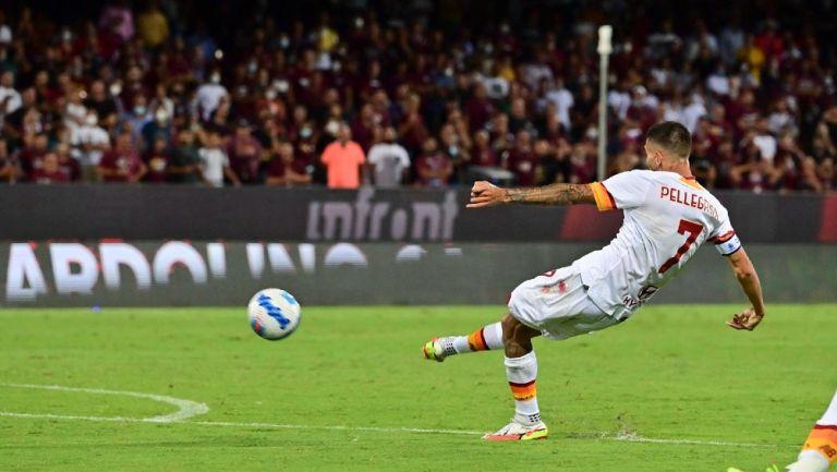 Lorenzo Pellegrini anota con la Roma frente al Salernitana