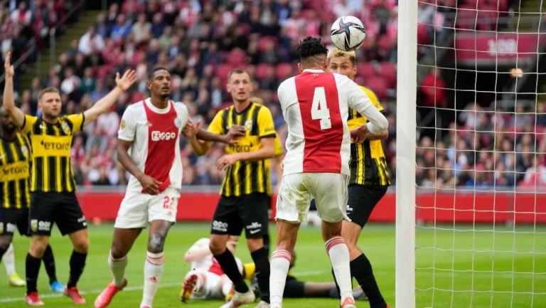 Edson Álvarez anotó gol ante el Vitesse