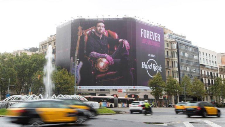 Lona gigante de Lionel Messi en Barcelona