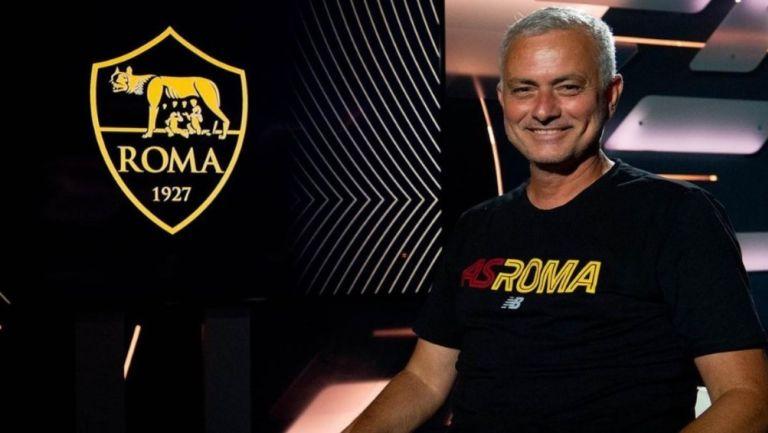 Técnico del AS Roma José Mourinho
