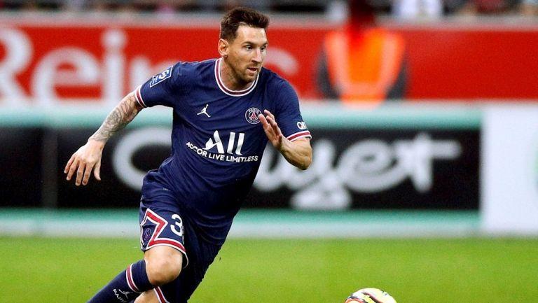 Lionel Messi en su debut con el PSG