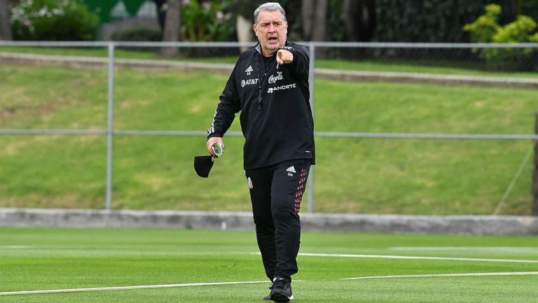 Selección Mexicana: Martino criticó a Wolves y a Genoa por no prestar a Raúl y a Johan