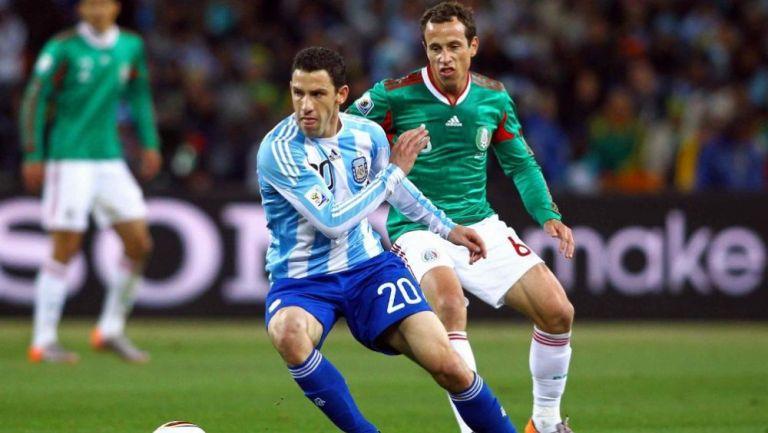 Maxi Rodríguez en acción ante México