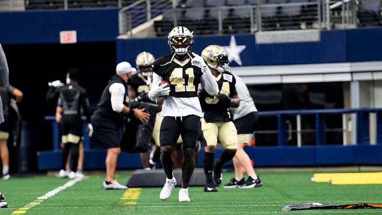 La práctica de los Saints en el estadio de Cowboys