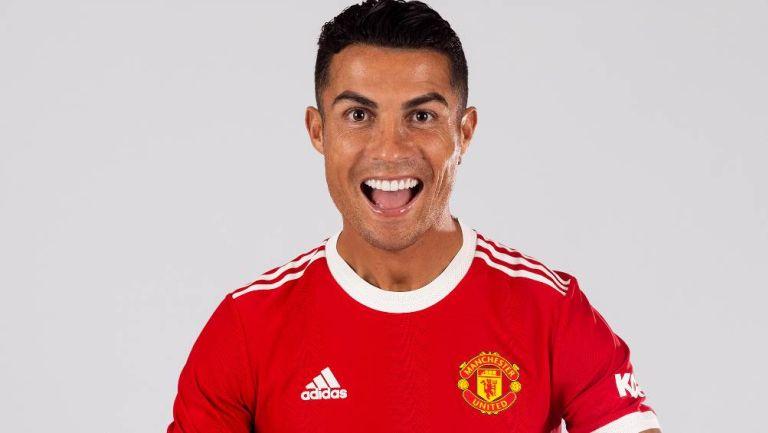 Cristiano Ronaldo durante su presentación con el Manchester United