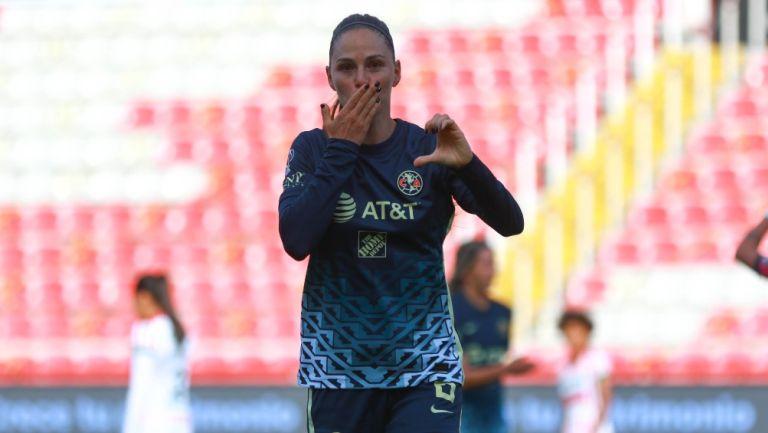 Janelly Farías durante un partido con América Femenil