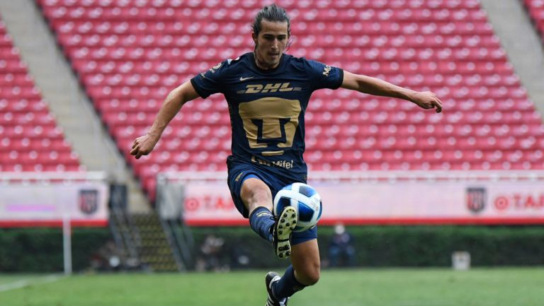 Pablo Bennevendo, en acción con Pumas Tabasco