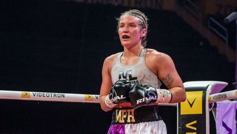 Marie Pier Houlen en la pelea vs Zacarías