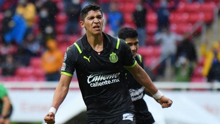 Zaldívar un partido con Chivas
