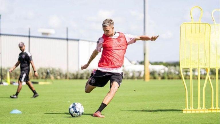 Romeo Beckham en su primer entrenamiento con Fort Lauderdale