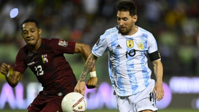 Lionel Messi en acción con Argentina