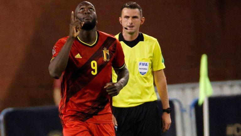 Romelu Lukaku celebra tras abrir el marcador frente a República Checa