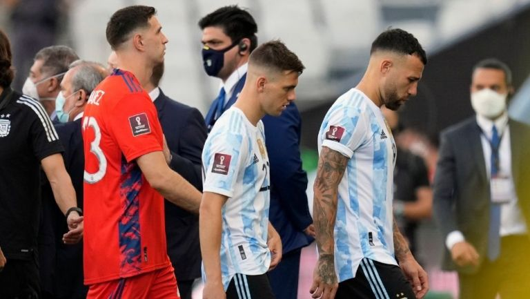 Jugadores argentinos se retiraron de la cancha