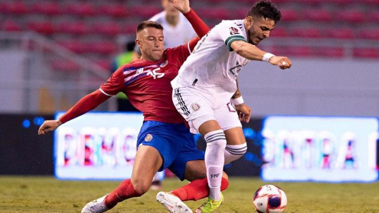 Vega sufre brutal entrada en duelo ante Costa Rica