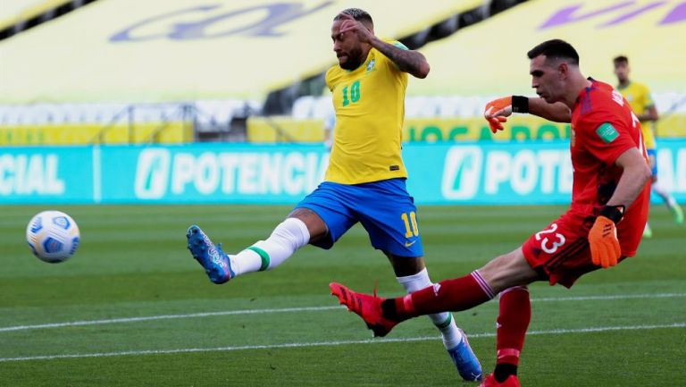 Dibu Martínez, tras Argentina vs Brasil: 'Nunca dudamos en venir por amor a la camiseta'