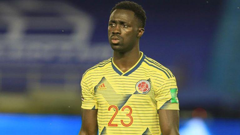 Dávinson Sánchez reacciona durante participación con la Selección de Colombia
