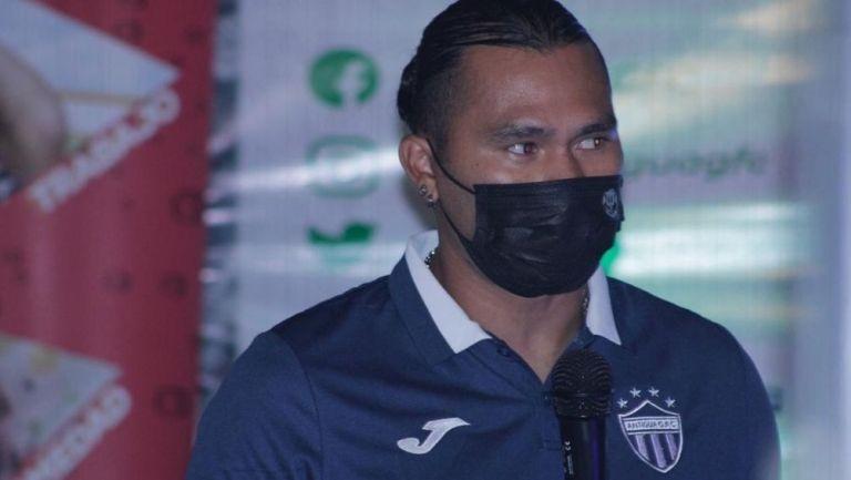 Gullit Peña debutó con el Antigua