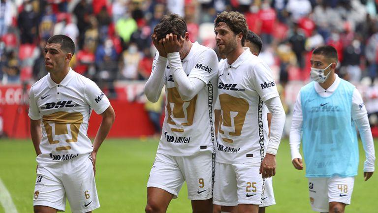Jugadores de Pumas tras la derrota contra Toluca