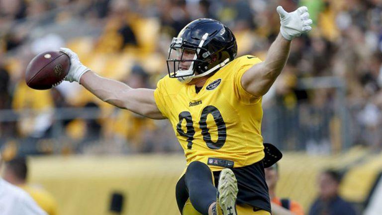 T.J. Watt en una práctica con los Steelers