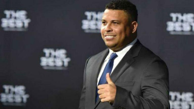 Ronaldo Nazario durante una reunión de FIFA
