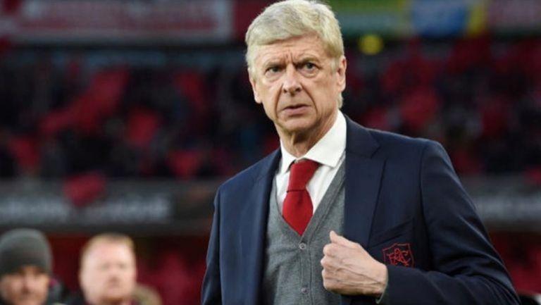 Arsene Wenger durante un partido con el Arsenal
