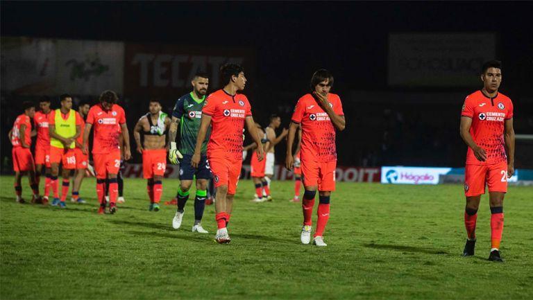 Jugadores de Cruz Azul tras la derrota ante Juárez