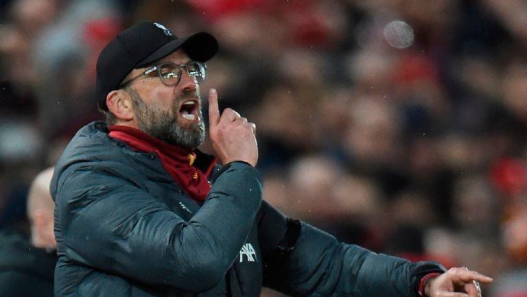 Jürgen Klopp reacciona durante partido del Liverpool