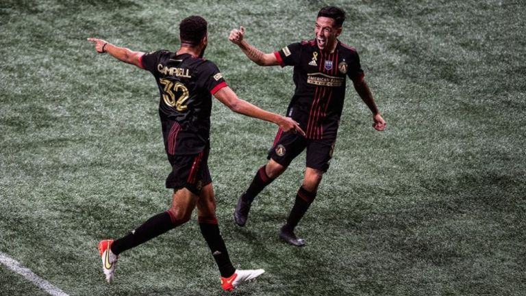 Ezequiel Barco en festejo con Atlanta United