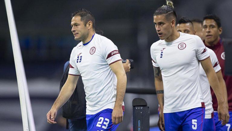Alexis Peña junto a Pablo Aguilar